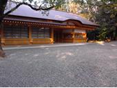 神宮拝殿周り(玉砂利下)